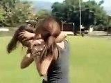 Liseli kız erkek kavgası