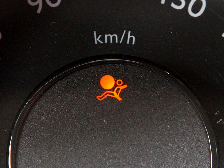 Tuto : Voyant d'airbag allumé, comment régler ça [vidéo]