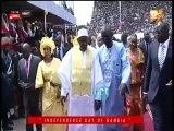 fête de l'indépendance Gambie : barrow flanqué de ses deux femmes