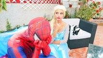 Spiderman y Congelado Elsa Sirenas vs Piratas de Spiderman Canto Hechizo de Superhéroes de la Diversión :