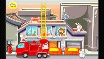 Portable de dibujos animados de dibujos animados sobre un coche de Bomberos dibujos animados.Sobre el coche de bomberos dibujos animados