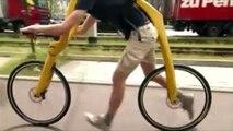 Un vélo sans selle ni pédales