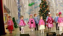 Новогодняя елка Милана 5 лет Танцует Россия Уфа Christmas tree girl Dancing 5 years Milan
