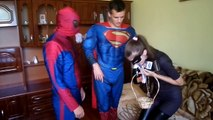 Spiderman present FLOWERS Сatwoman - SPIDERMAN KISS CATWOMAN || Funny Superhero Movie in R
