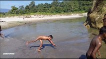 Aisa kyu kar rahe ho | Amazing stunts in sand and water | nice clip | Must watch | HD