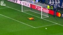 La frappe de mule de Paulo Dybala qui vient heurter le poteau d'Iker Casillas