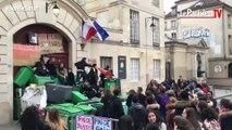 Affaire Théo : des blocus et des incidents devant plusieurs lycées parisiens
