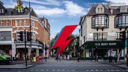David Bowie Fans Are Crowdfunding a 3-Story Lightning Bolt