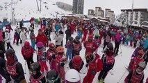 7 Jours Fous au Ski • #2 POUR JODIE QUI S'EST CASSÉ LE BRAS AU SKI • Du ski, de la luge, un sondage-HSnmZLfufI4