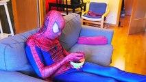 Spiderman vs Joker Compilación de Bromas! w/ Rosa Spidergirl y Congelado Elsa Diversión Superhéroe en R