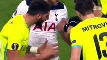 Europa League : le tacle horrible de Dele Alli sur le genou de Brecht Dejaeghere
