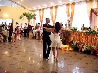 Leur danse de mariage va chauffer tout le monde... Incroyable