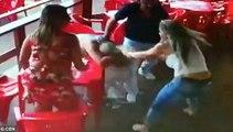 Aldatılan Kadın, Erkek Arkadaşını Metresiyle Birlikte Feci Şekilde Dövdü