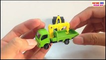 Snow Stormer Vs Hino Dutro Truck Tomica Toys Cars For Children Kids Toys Videos HD Collect