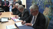 Ségolène Royal signe de nouvelles conventions avec les territoires à énergie positive pour la croissance verte