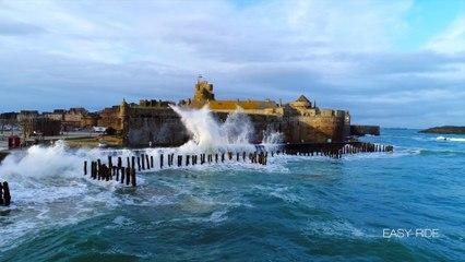 Les vagues submersions-Saint-Malo-Bretagne-Drone-EASY RIDE