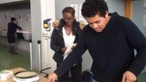 Les étudiants d'Alençon font des crêpes