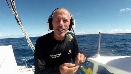 D114 : Sebastien Destremau trying to fish ! / Vendée Globe