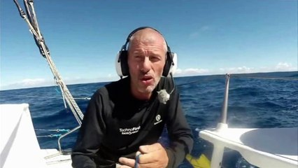 J114 : Sébastien Destremau s'essaye à la pêche / Vendée Globe