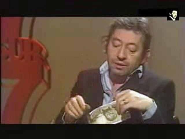 Serge Gainsbourg brûle un billet de 500 F