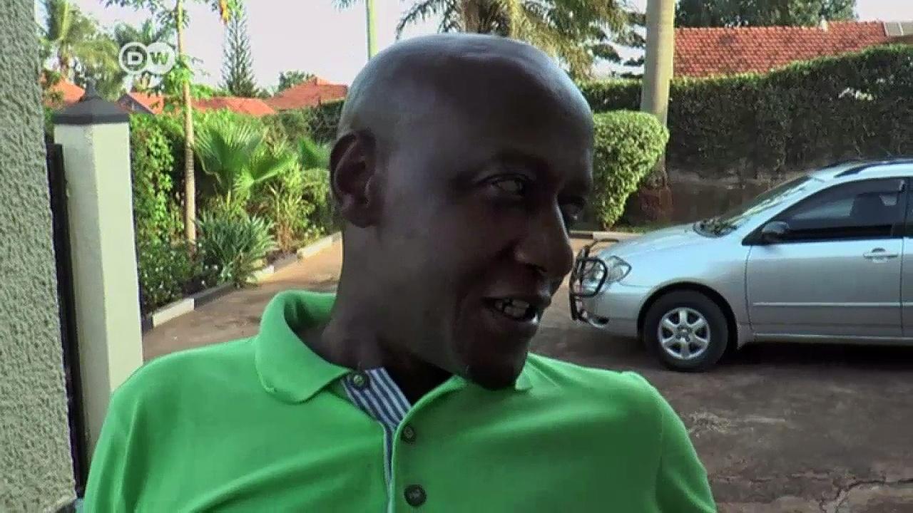 African refugees in Uganda under pressure | DW News