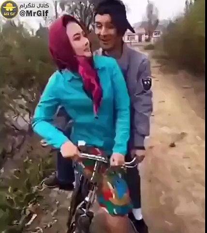 Bacak Omuza Bisiklet Sürmek