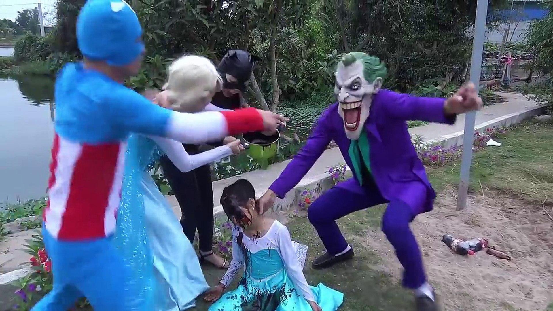 Человек-паук автомобиль игрушки летающие над водой! Эльза против Джокера, женщин-кошек, семейного отдыха супергерой шалости