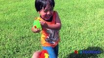 Воды бой пистолет скрыть Н искать игры в парке с Миньонов видео Райан ToysReview