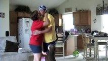 Des bébés jaloux quand papa et maman font des bisous - Compil