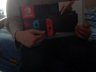 (thegamer) unboxing Nintendo switch