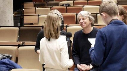 Andreas Dresen im Interview mit den Reportern der Kinderfilmuniversität Babelsberg