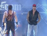 The Undertaker & Kane Help Team Extreme from Steve Austin & Triple H Attack 4-16-01