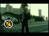 Siete dias, siete noches (7 jours, 7 nuits) - extrait VOST - (2004)