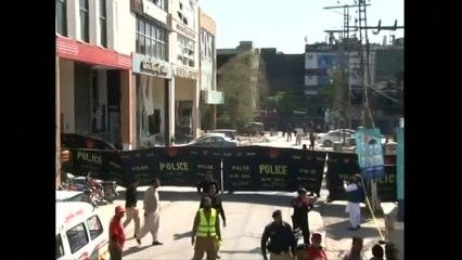 Five killed in Pakistan market blast