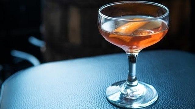 How to Make a Mancini Cocktail - Liquor.com
