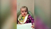 Ce bébé aime beaucoup les macaroni au fromage... Vraiment beaucoup