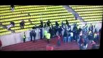 09/10 AS Monaco - OGC Nice Brigade Sud ultras invade the pitch to attack Monaco Fans