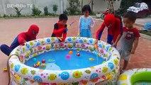 Toys doctor - baby training to be a doctor - Đồ chơi bác sĩ cho bé - Bé tập làm bác sĩ