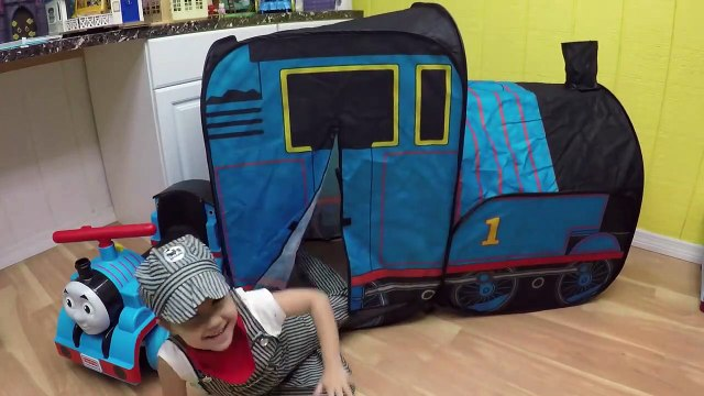 HUGE THOMAS AND FRIENDS SURPRISE TOYS TENT Egg Surprises Ride-On Train Set Toy Trains & Track Sets-HdS2