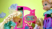 FLYING ! Lemonade ! Elsa & Anna toddlers FLY with Barbie's Magical Dreamboat - Accident ! Playing-7jb2ZB9k
