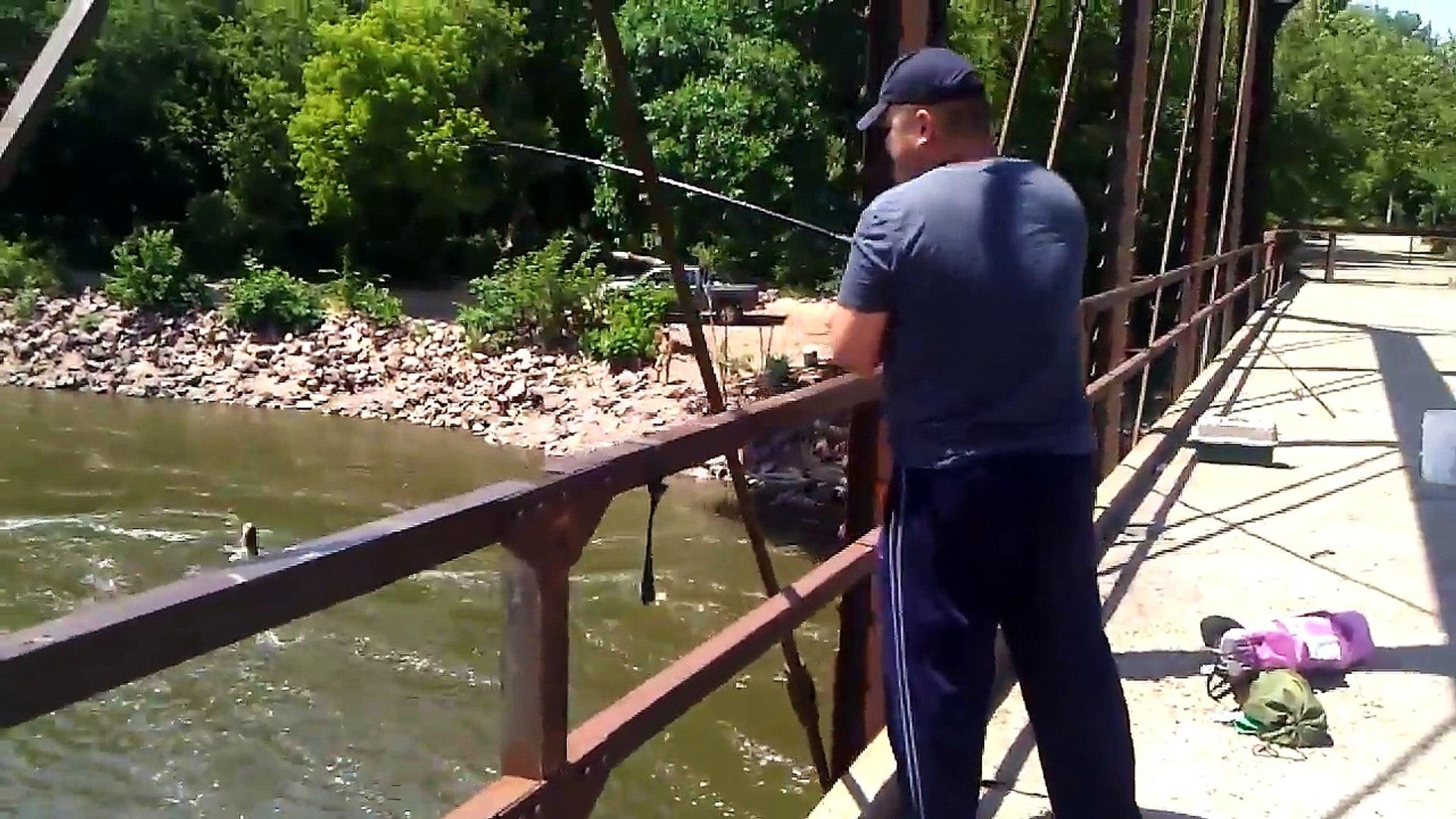 Лучший Лучший когда-либо ловит рыбу Найдено я я я и в место в Подумайте