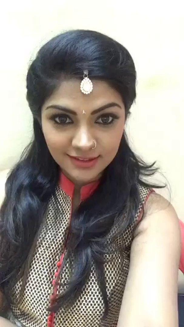 Tamil TV Actress Shamily Sukumar Live Video Chat