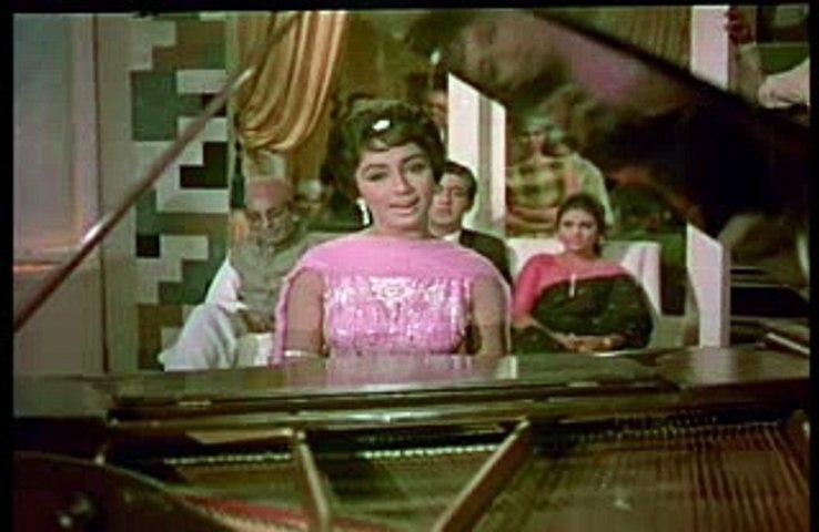 Jab Tum Mujhay Apna Kehtay Ho - Asha Bhosle - Lyrics Sahir Ludhianvi - Music Ravi - Film Waqt