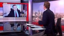 Un papa videobombé par ses enfants pendant un direct (BBC)