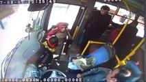 Otobüste Fenalaşan Kadını Hastaneye Yetiştiren Kahraman Şoförü Kameralar Böyle Kaydetti