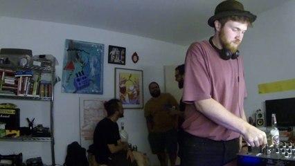 Billy Caso DJ Set - Quarto/Fresta