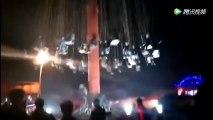 Les chaises volantes s'écroulent dans un parc d'attraction chinois