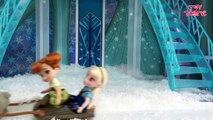 Elsa and Anna Toddlers Playing in the Snow! Do you wanna build a Snow Man   Frozen Surpris