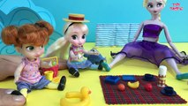 BEACH! Sandcastles  Ice cream! Elsa & Anna at the Beach! Swimming, Eating, Playing with Sand!-CoW