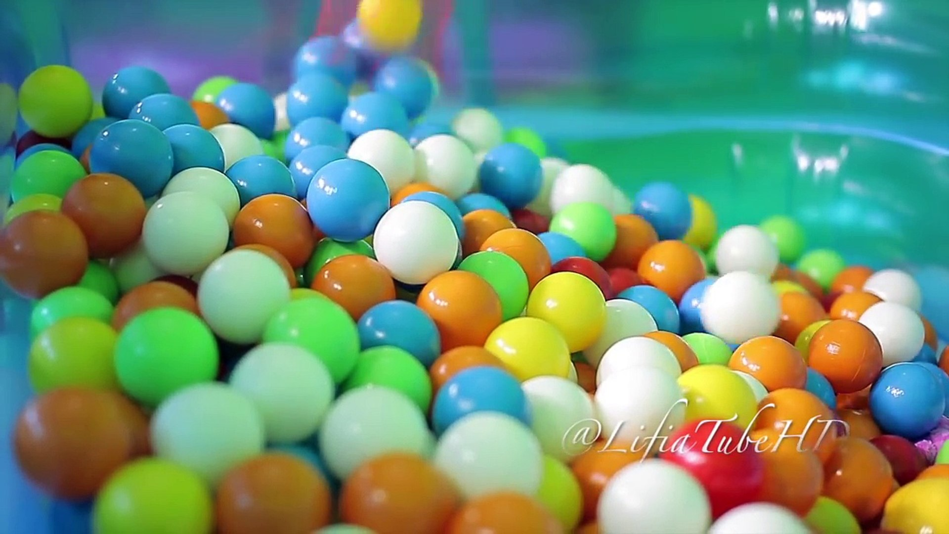 Ball Pit Show for Toddler ❤ Fun kids play and learning ❤ Kids Pool Fun Balls @LifiaTubeHD